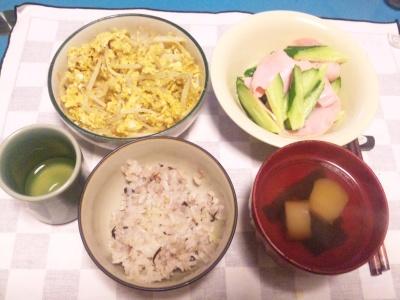 SBSH0215夜-もやしの卵とじ、ハムときゅうりサラダ、麩のお吸い物、雑穀米ご飯_400.jpg