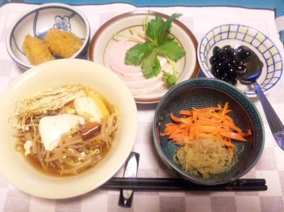 SBSH0205_0108夜-豆腐雑煮、紅白煮膾風、牡蠣フライ、ハム、黒豆_400.jpg
