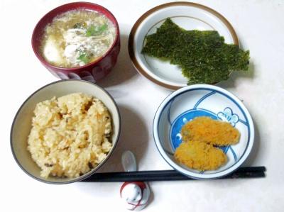 SBSH0209_0110昼-炊き込みご飯、牡蠣フライ、卵汁、海苔_400.jpg