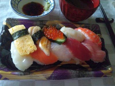 SBSH0224_0515夜-握り寿司、お吸い物_400.jpg