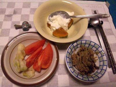 SBSH0204_0911夜-肉みそ、トマト、かぼちゃヨーグルト_400.jpg
