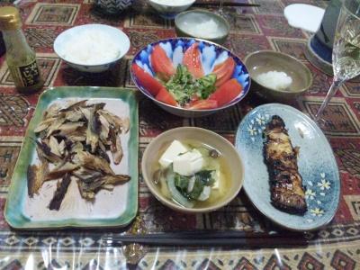 SBSH0247_1107夜-さば節に大根おろし、金目鯛味噌漬け、トマトサラダ、豆腐と野菜の味噌汁、ワイン_400.jpg