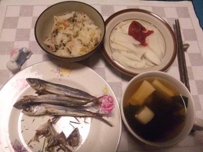 SBSH0212_1110夜-焼きあご、寿司飯、高野豆腐のお吸い物、大根梅和え_400.jpg