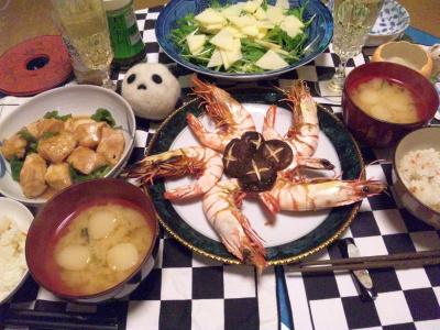 SBSH0247_1230夜-エビと椎茸焼き、チキンソテー、水菜リンゴサラダ、味噌汁_400.jpg