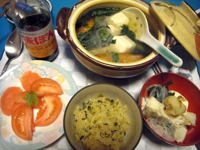 RIMG0008_0112夜-鱈とホタテの湯豆腐、高菜ご飯、トマト_400.jpg