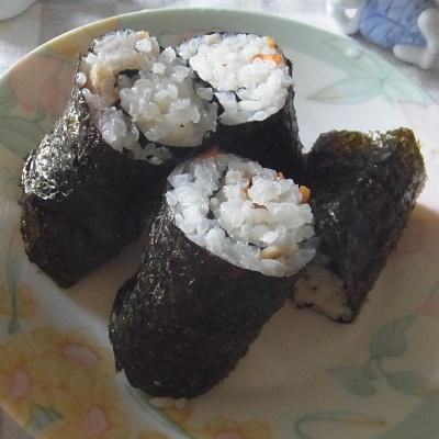 RIMG0021_0627昼-海苔巻き寿司_400.jpg