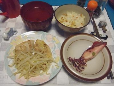 RIMG0008_0703夜-ボイルイカ、チキンソテーもやし添え、寿司ご飯、お吸い物_400.jpg