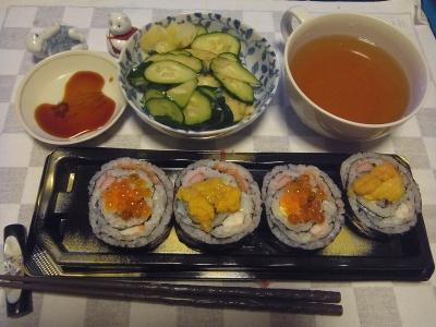 RIMG0009_0813夜-うに、いくら巻き寿司、きゅうり、お吸い物_400.jpg