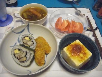 RIMG0013_0907夜-鯖寿司、冷奴、トマト、カキフライ、ソーセージスープ_400.jpg