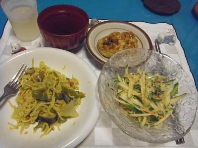 RIMG0015_0914夜-カレー焼きそば、きゅうりサラダ、なすのはさみ揚げ、お吸い物_400.jpg