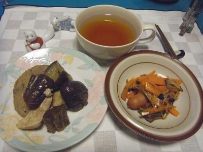 RIMG0006_1002夜-ナスの煮物、人参炒め、スープ_400.jpg