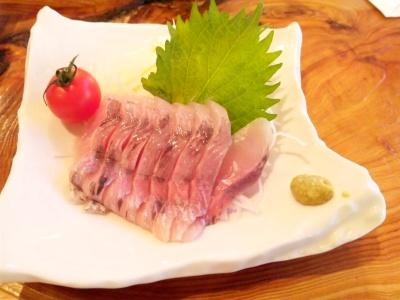 SBSH0269_20121125昼外食-ヤマメのお刺身(骨がある)_400.jpg
