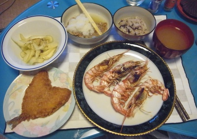 RIMG0014_119夜-海老焼き、アジフライ、セロリ、おろし納豆、16穀米ご飯、スープ_400.jpg