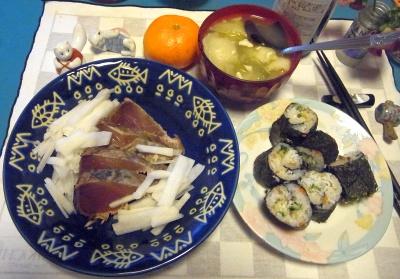 RIMG0015_123夜-鰹のたたき、野菜スープ、しらす海苔巻きずし_400.jpg