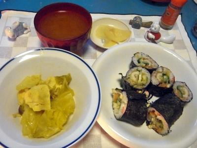 RIMG0027_0207夜-チキンとキャベツのカレー煮、海苔巻き、トマトスープ、生姜の酢漬_400.jpg