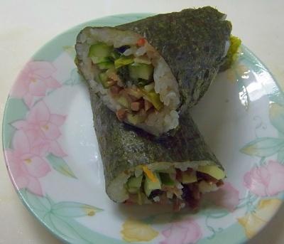 RIMG0013_0213昼-ナムル海苔巻き寿司を作る_400.jpg