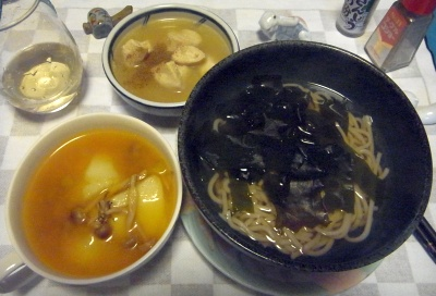 RIMG0007_0403夜-わかめ蕎麦、トマトスープ、鶏煮物_400.jpg