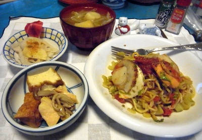 RIMG0015_0409夜-ホタテの焼きそば、厚揚げと鶏の煮物、酢蓮、味噌汁_400.jpg