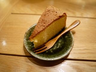 0418楽屋めし1500円ケーキ付き食べログより.jpg