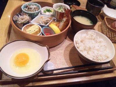 SBSH0263_0417昼外食楽屋セット_400.jpg
