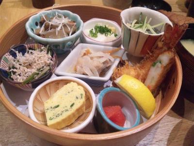 SBSH0265_0417昼外食楽屋セットおかず_400.jpg