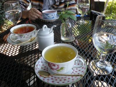 フルーツティと紅茶