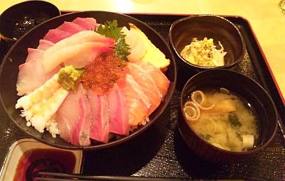 SBSH0262_0505夜・外食-海鮮丼小鉢味噌汁セット_400.jpg