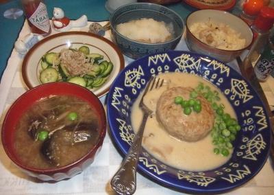 RIMG0024_0530夜-ボイルハンバーグ、おろし納豆、筍ご飯、じゃこキュウリ、茄子味噌汁_400.jpg