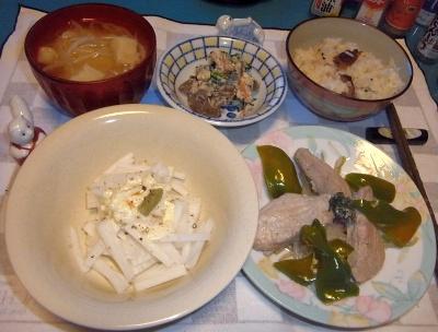 RIMG0013_0720夜-カツオのソテー、白和え、大根サラダ、味噌汁、かやくご飯_400.jpg