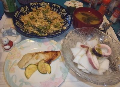 RIMG0020_0806夜-サワラ西京焼き、イカと大根サラダ、ゴーヤチャンプルー、味噌汁_400.jpg