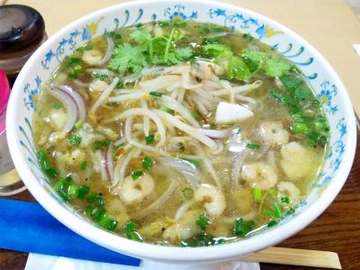 SBSH0248_0831昼外食ダイエーのカレー屋-タイ風海鮮ヌードル_400.jpg