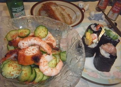 RIMG0011_0904夜-海鮮サラダ、はみ出し巻き寿司、ヒレカツ_400.jpg
