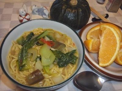 RIMG0030_0919夜-タイカレー麺、オレンジ_400.jpg