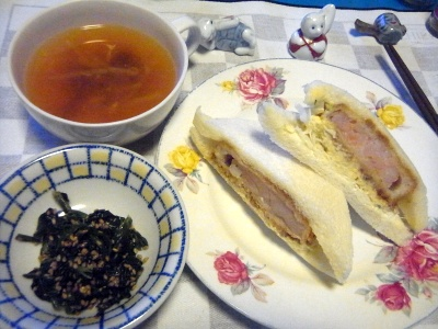 RIMG0010_1001夜-エビカツサンド、ほうれん草の胡麻和え、スープ_400.jpg