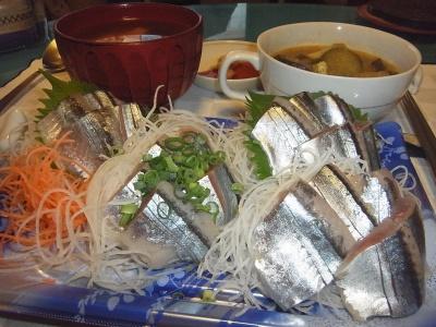 RIMG0054_1018夜-秋刀魚のお刺身、野菜スープ煮、お吸い物_400.jpg