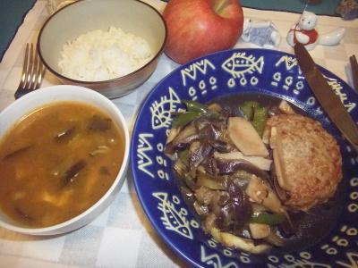 RIMG0060_1019夜-ハンバーグ、野菜ソテー、エスニックスープ_400.jpg
