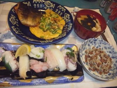 RIMG0007_1026夜-塩レモン握り寿司、ホッケ焼き、ピーマンオムレツ、しらす納豆、豆腐のお吸い物_400.jpg