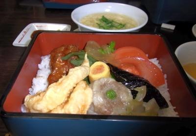 RIMG0207_1205昼・外食-中華弁当_400.jpg