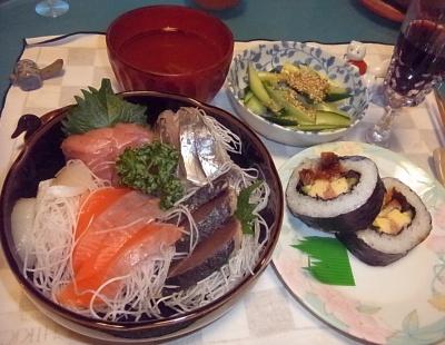 RIMG0021_1213夜-刺し身、アナゴ巻き寿司、キュウリ、えのきスープ_400.jpg