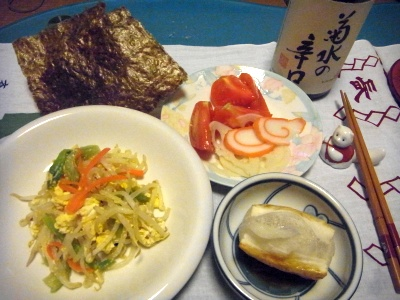 RIMG0002_0103夜-もやし炒め、海苔餅、トマトとかまぼこと酢蓮_400.jpg
