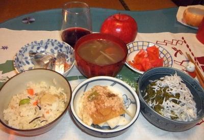 RIMG0018_0108夜-筍ご飯、数の子、しらすとろろ奴、しめ鯖、トマト、お吸い物_400.jpg
