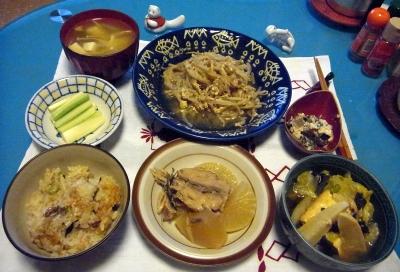 RIMG0011_0205夜-炊き込みご飯、ぶり大根、筍旨煮、もやし炒め、セロリ、白和、お吸い物_400.jpg