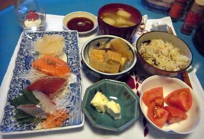 RIMG0003_0207夜-お刺身、チーズ、煮物、トマト、立ち込みご飯、麸の味噌汁_400.jpg