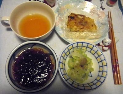 RIMG0009_0407夜-もずく、セロリサラダ、お好み焼き、お吸い物_400.jpg