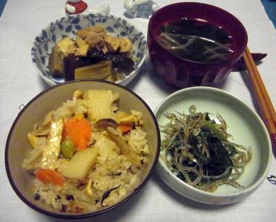 RIMG0016_0510夜-筍ご飯2回め、コウナゴほうれん草、煮物、お吸い物_400.jpg