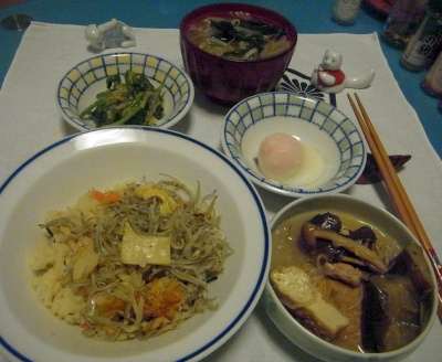 RIMG0027_0511夜-コウナゴご飯、厚揚げの煮物、温泉卵、ほうれん草の胡麻和え、お吸い物_400.jpg