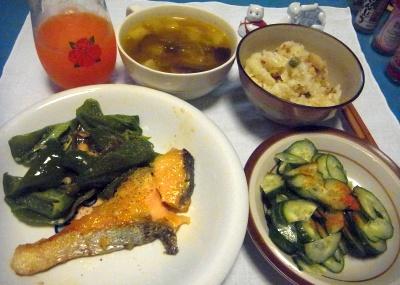 RIMG0008_0514夜-鮭ソテー、胡瓜のサラダ、筍ご飯、スープ_400.jpg