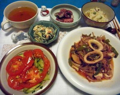RIMG0021_0704夜-イカの炒めもの、トマトサラダ、タコぶつ、ほうれん草の白和、筍ご飯、スープ_400.jpg