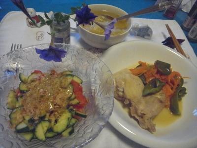 R0010010_0717夜-チキンソテージンジャー風味、胡麻サラダ、スープ_400.jpg