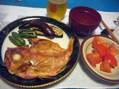 R0010292_0819夜-赤魚干物、トマト、お吸い物_400.jpg